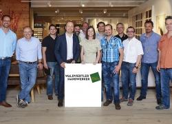 Gruppenfoto Waldviertler Handwerker mit Roland Surböck